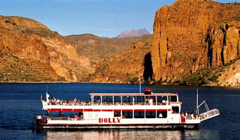 steamboat dinner canyon lake steamboat dinner cruise xperience days