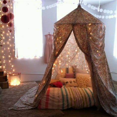 Pillow Blanket Fort by Blanket Forts Blanket And Pillow Forts