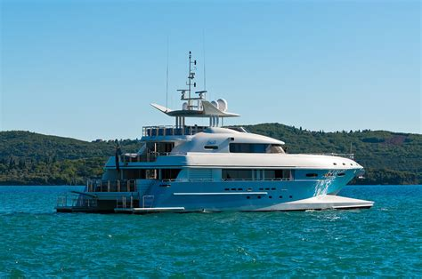 catamaran superyacht luxury catamarans luxury yacht charter superyacht news