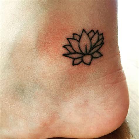 small lotus tattoo designs lotus flower tatto