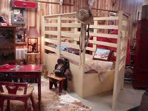 Cowboy Bunk Beds Oh My Goodness A Buckin Chute Bed My Cowboy Brody Would Be In Heaven Home Sweet