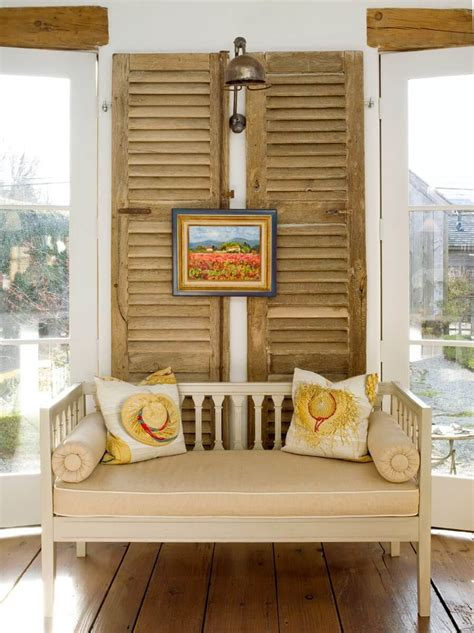 diy home decor  ways  repurpose  shutters style