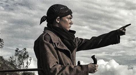 Ringkasan Film Jendral Sudirman 2015 | adipati dolken til beda di trailer perdana jenderal