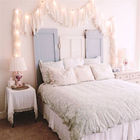 How To Use String Lights For Your Bedroom 32 Ideas Digsdigs String Lights Ideas Bedroom
