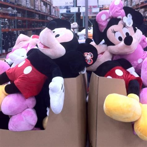 Boneka Micky Mouseminnie Mouse Jumbo mickey or minnie at costco for