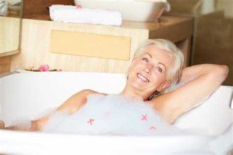 vasca da bagno per anziani prezzi vasca per anziani prezzi costi di posa agevolazioni
