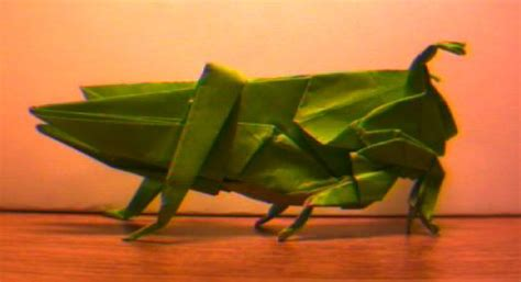 Origami Grasshopper - an origami grasshopper