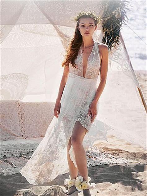 wedding dress box for plane kaitlyn bristowe shawn booth engagement photos