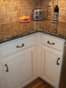 Brown Countertops White Cabinets by Best 25 Brown Granite Ideas On Brown Granite