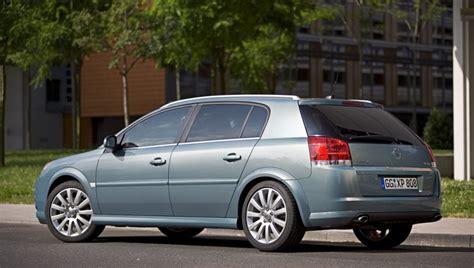Opel Hatchback by Opel Signum Hatchback 2005 2008 Reviews Technical Data