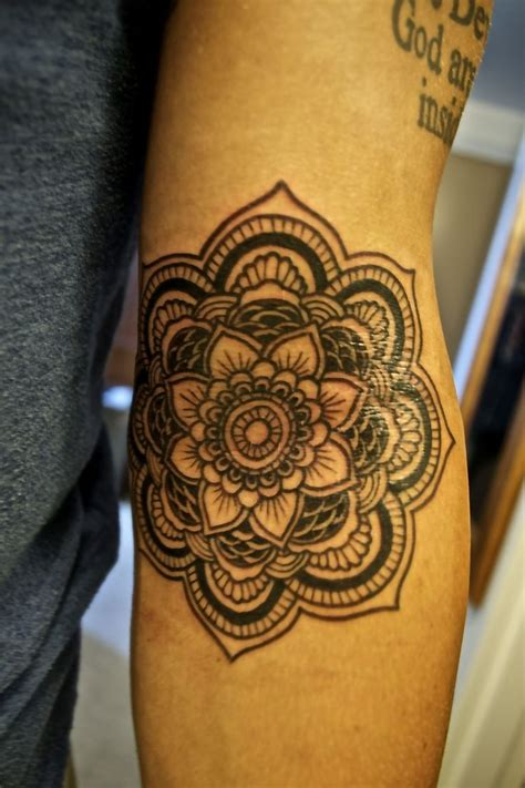 mandala flower tattoo meaning top 10 lotus flower designs buddhists thumb