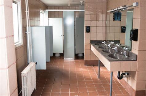 boarding school bathrooms boys bathroom in boone hall dorm canyonville christian