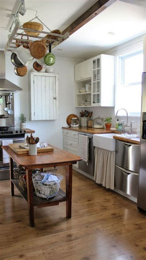 Farmhouse Kitchen by 9 Elements Of A Farmhouse Kitchen Superior Home Solutions