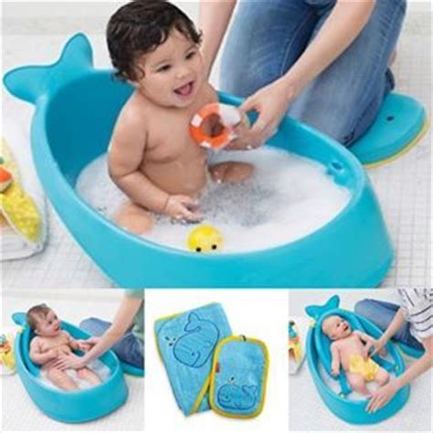 cleaning baby bathtub best 25 baby bath tubs ideas on pinterest best baby bath products baby tub and