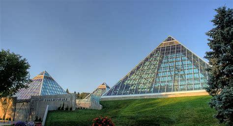Botanical Garden Edmonton Muttart Conservatory