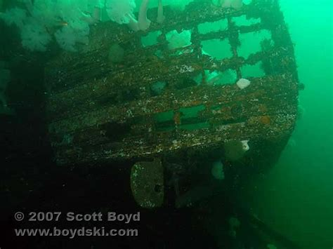 boat wreck buoy 10 the boss wreck dive site review