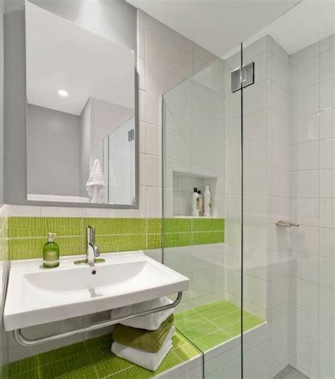 badezimmerspiegel ideen an der wand spiegelwand in der wohnung 42 coole ideen archzine net