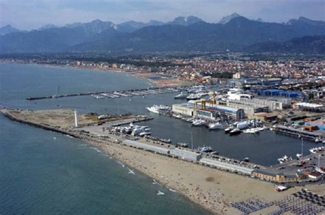 porti in toscana porti nel 2015 quasi 5 milioni per viareggio marina di