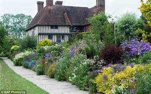 dixter s dynamic duo britain s most influential garden