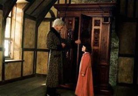 l armoire magique 8 jim broadbent dans le monde de narnia 2005 harry