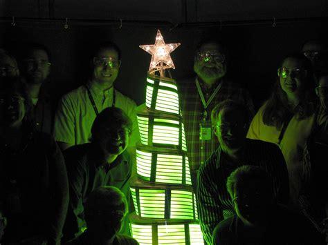 ge displays first ever oled christmas tree slashgear