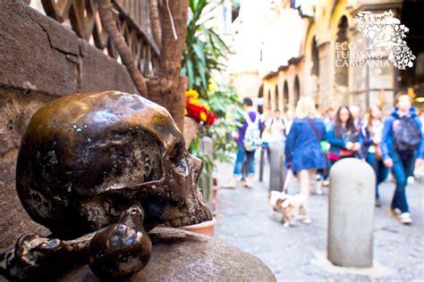 credenze popolari napoletane percorso di trekking urbano attraverso la napoli esoterica