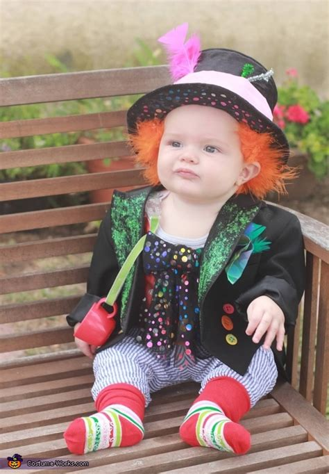 Kaos Bowtie Bunny mad hatter baby costume