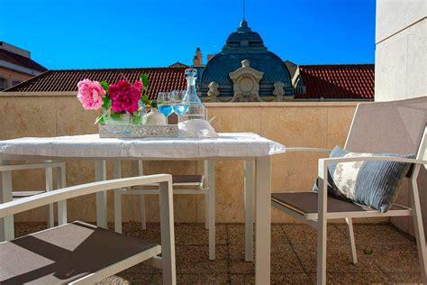 apartamentos  vacaciones de diseno en malaga
