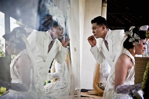 wedding gift jakarta couples wed in indonesia