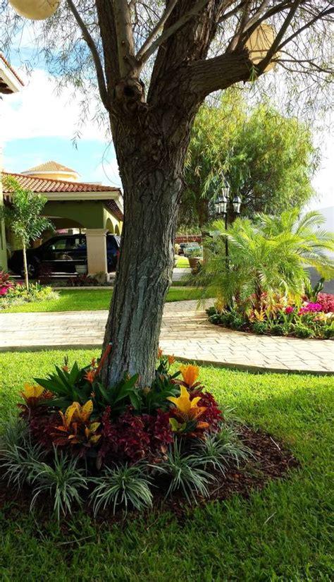 decoracion de jardines modernos jardines y patios 161 10 ideas con adoquines sensacionales