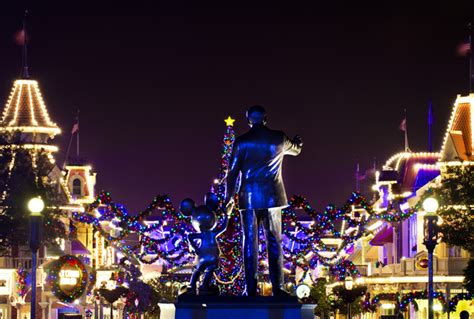 What S New At Disney World In 2011 Yourfirstvisit Net | disney world christmas 2011 what s new disney tourist