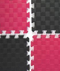 10 X 10 Interlocking Foam Mat And Black - trade show flooring interlocking anti fatigue carpet tiles