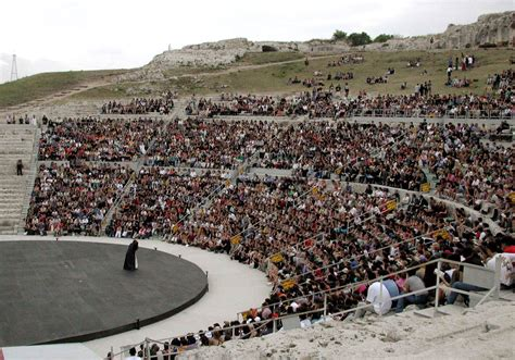 teatro greco di siracusa siracusa antigone torna a siracusa live sicilia