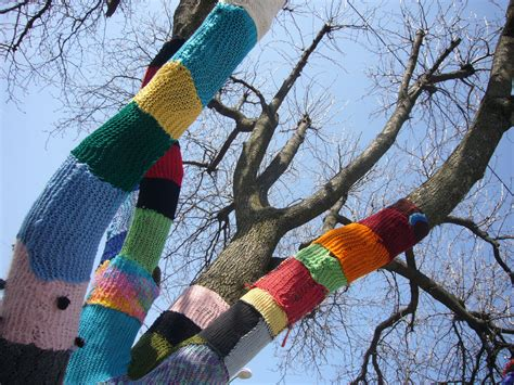 knit bombing in you missed it kaye yarn bomb the l