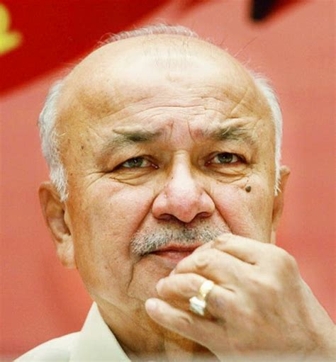 sushilkumar shinde away in the us as home ministry