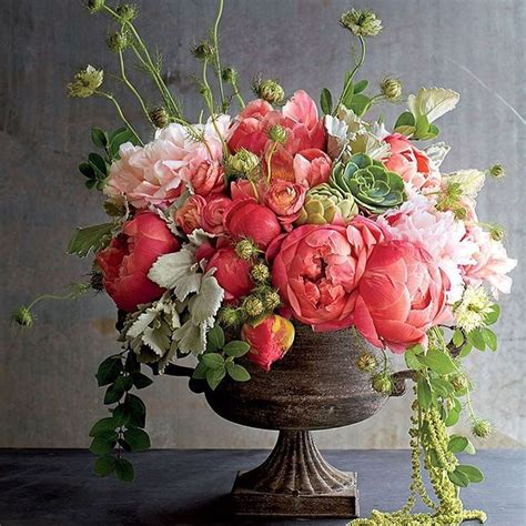 floral arrangements centerpieces 25 best ideas about spring flower arrangements on