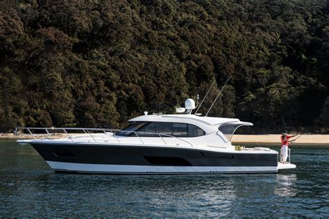 boats online riviera new riviera 445 suv power boats boats online for sale