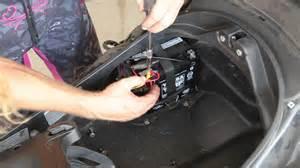 Suzuki Burgman 125 Battery Location Piaggio Mp3 Battery Removal
