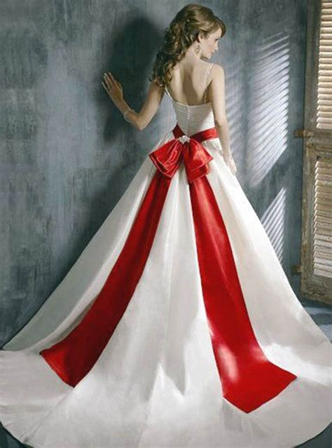 christmas themed dresses 25 breathtaking christmas wedding ideas wedding photo