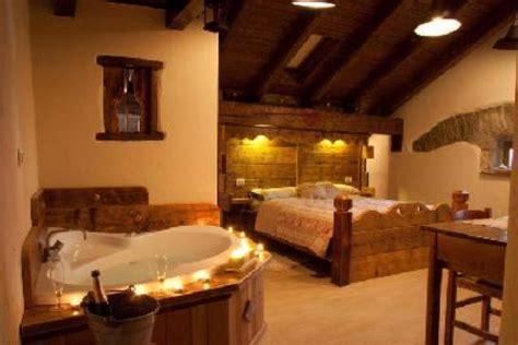 hotel romantici con vasca idromassaggio in da letto con vasca idromassaggio decora la tua vita