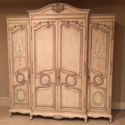 Grande Armoire by 17 Best Ideas About Grande Armoire On Armoire