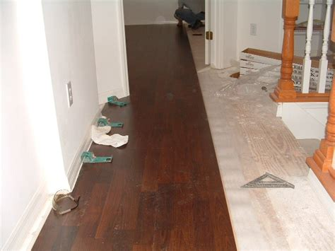 laminate flooring lowes installing laminate flooring videos