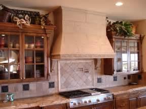 Cooker Backsplash - dress up your kitchen with a decorative range hood