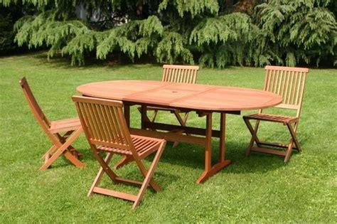 tavoli in plastica da giardino prezzi tavolo da giardino tavoli da giardino scegliere il