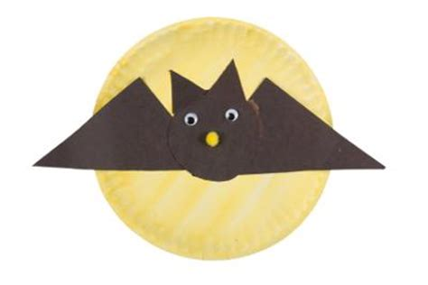 Paper Plate Bat Craft - bat paper plate project for