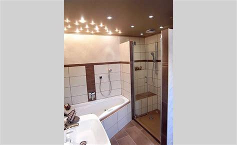 fliesen in holzoptik weiß badezimmer badezimmer wei 223 braun badezimmer wei 223