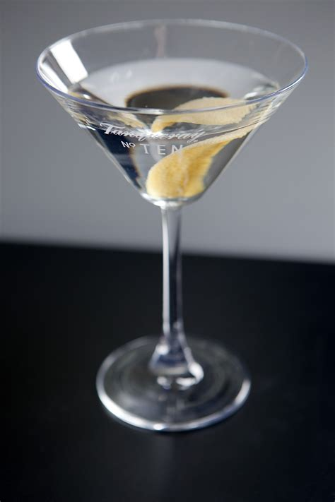 martini dry the cocktail lovers dry martini