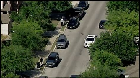 San Antonio Warrant Search Dea Executing Search Warrant At Home On Northeast Side Woai