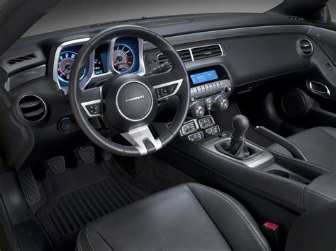 2010 Chevrolet Camaro interior   Cartype