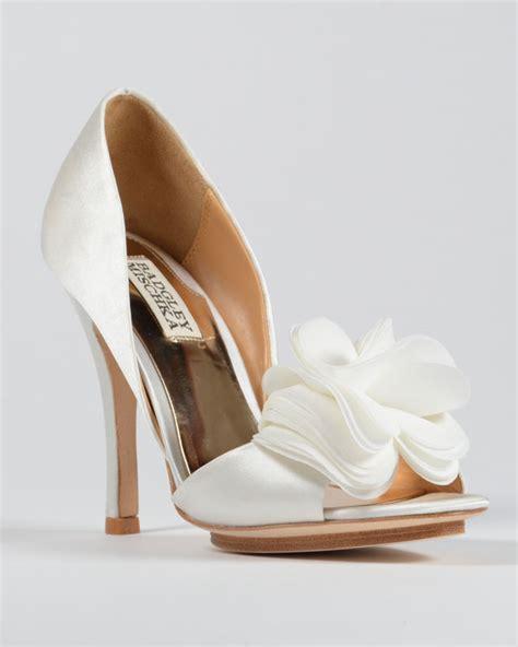 badgley mischka bridal shoes fashionista friday badgley mischka wedding shoes the